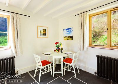 Website-Bedsit-with-table-copy